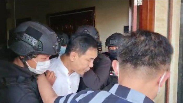 Munarman Ditangkap Densus 88 Terkait Dugaan Terorisme, Aziz Yanuar: Kami Menduga Itu Fitnah